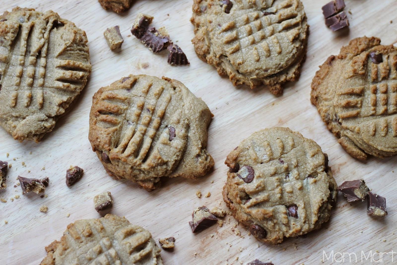 Reese's Peanut Butter Chocolate Chip Cookies #Recipe #Dessert