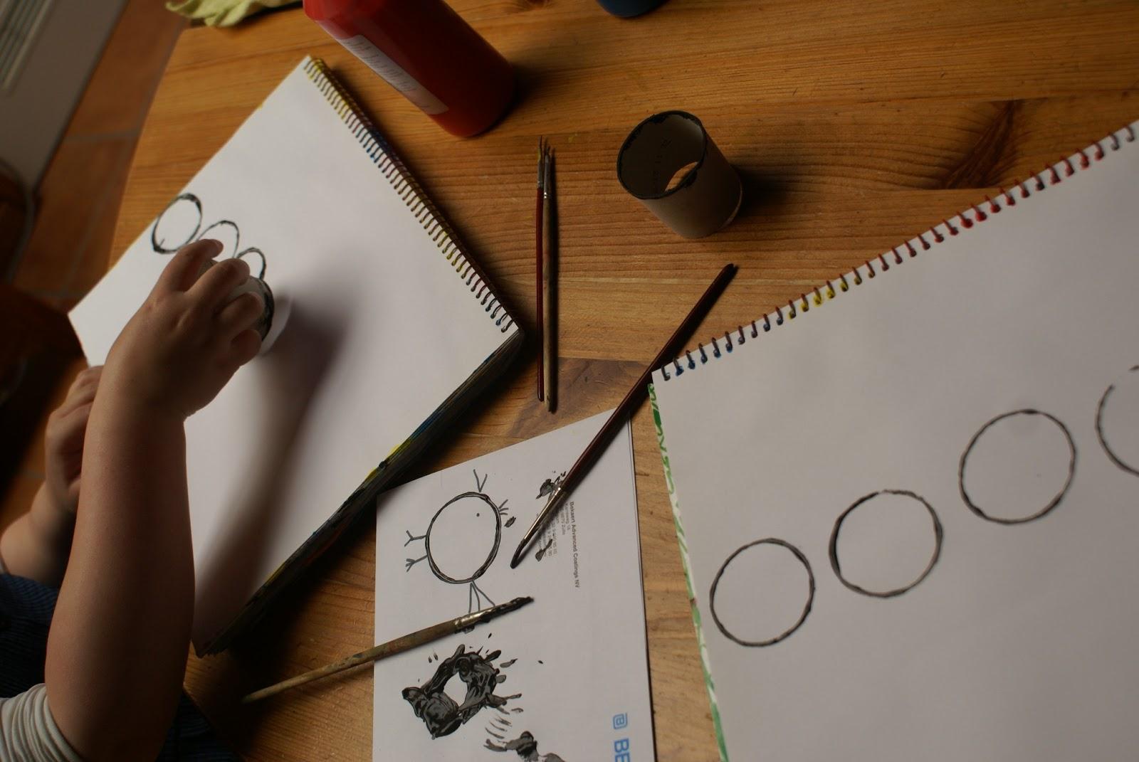 De miniklas een blog over thuisonderwijs.: kleuren mengen cirkels