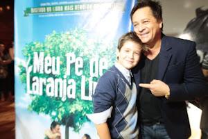 Leonardo e seu filho João Guilherme na pré-estreia do filme 'Meu Pé de Laranja Lima' 03 04 2013