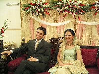 Mahira Khan Wedding Photos http://humawaz.blogspot.com/2012/05/fawad-and-mahira-wedding-and-family.html