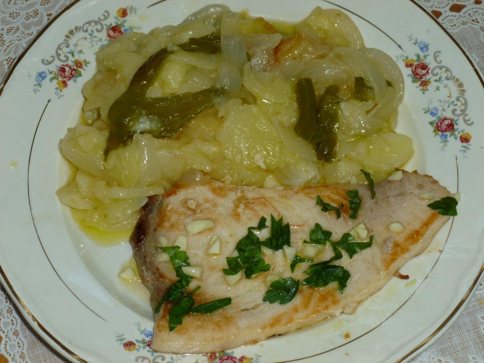 Uva pan y queso pez espada a la plancha con patatas a for Pez espada fresco