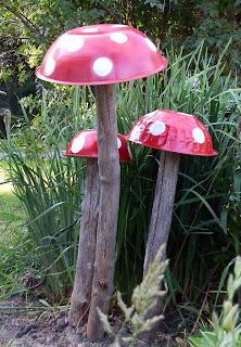 Garden Art Mushroom - My Paper Inclination