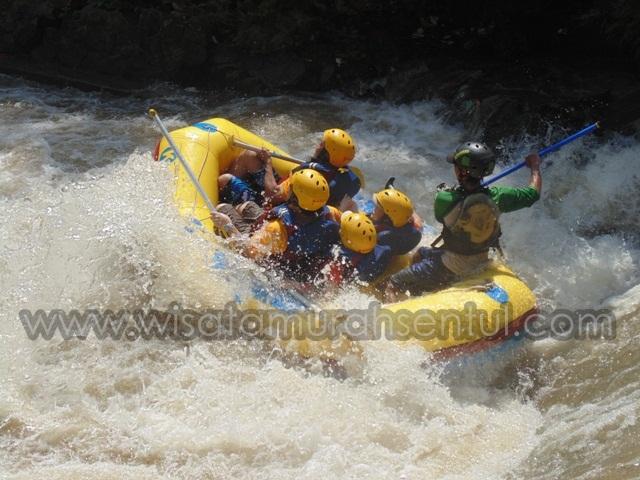 Harga Paket Rafting Sentul di Sungai Kalibaru