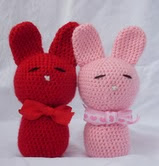 http://www.ravelry.com/patterns/library/love-bunnies