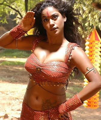 Mumait Khan sexy picture