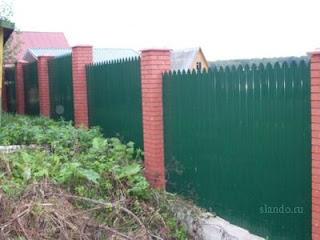 Забор из фигурного профлиста (резная кромка). Фото 11