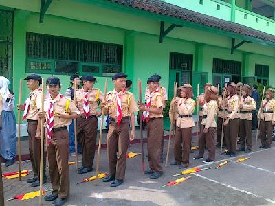 Demo - Ekskul Pramuka Tahun 2012-2013 - Pramuka MAN 6 Jakarta Timur