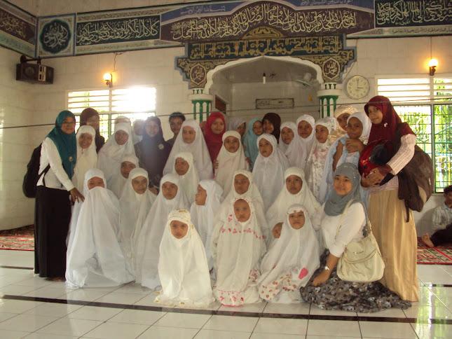 Bakti Sosial  Mahasiswa Bidik Misi UNIMED di bulan ramadhon 1432 H