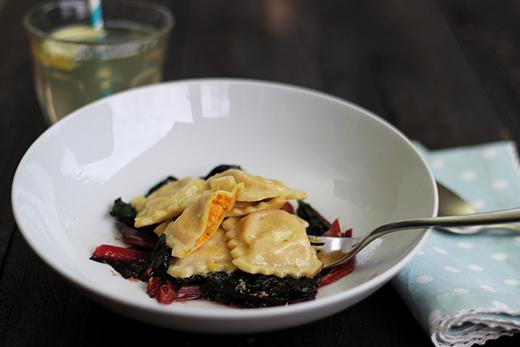 Möhrenravioli mit Mangold und Zitronensauce Selbstgemachte Ravioli Rezept Blog Holunderweg18
