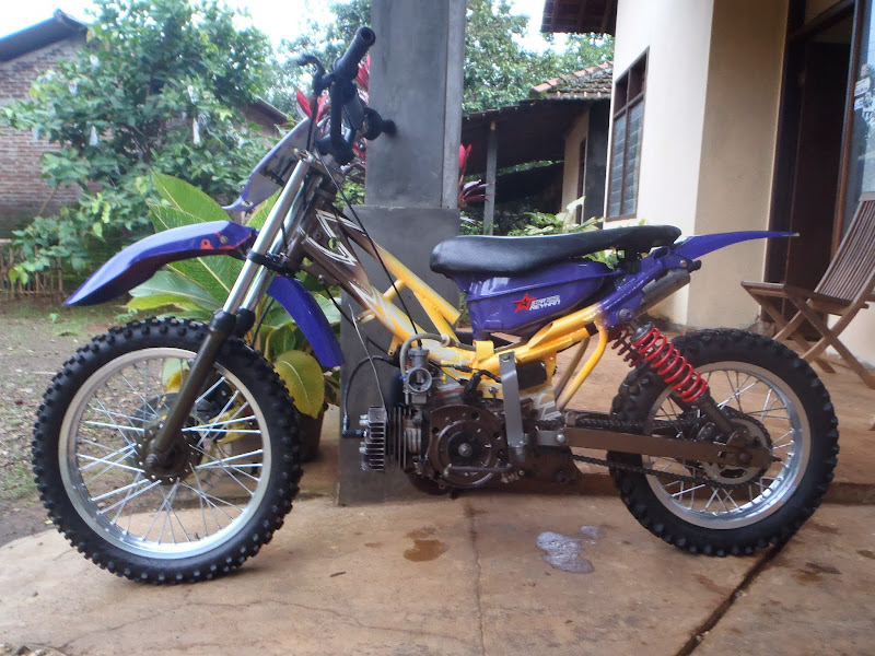 Modifikasi Motor Yamaha F1ZR jadi Trail title=