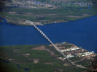 Vista aérea da ponte Joel Silveira, entre os municípios de Aracaju e Itaporanga d'Ajuda, em Sergipe