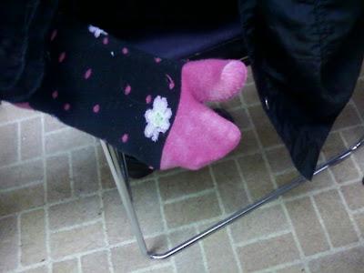 nail me, nail art, anna, mitten socks, flower