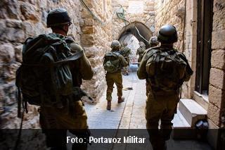 Forças israelenses esvaziam prédios ocupados por judeus em Hebron
