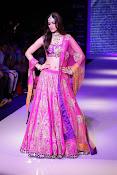 Kriti Sanon latest glamorous raml walk-thumbnail-6