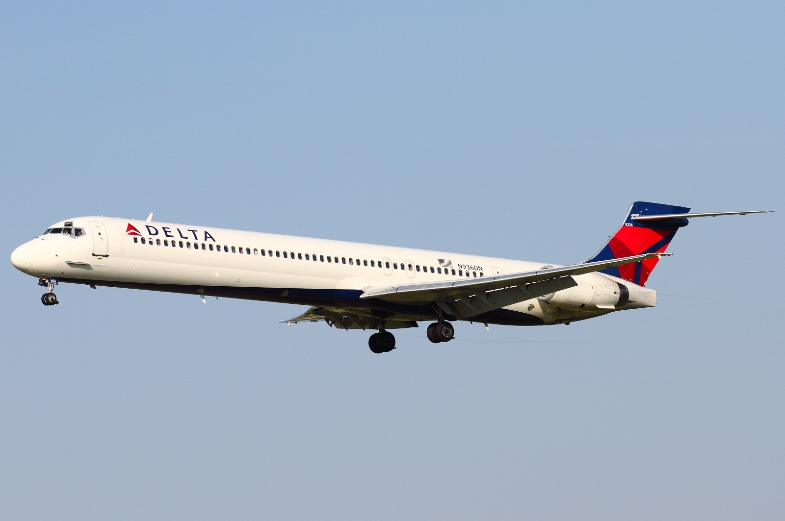 McDonnell Douglas MD-90 of Delta Airlines Aircraft ...