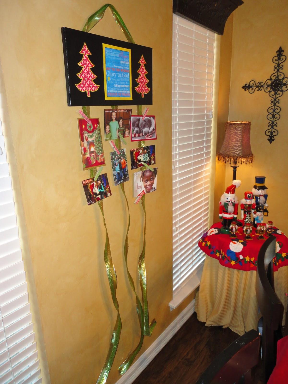 Mom Of 2 Girly Girlz Creative Ways To Display Christmas Cards