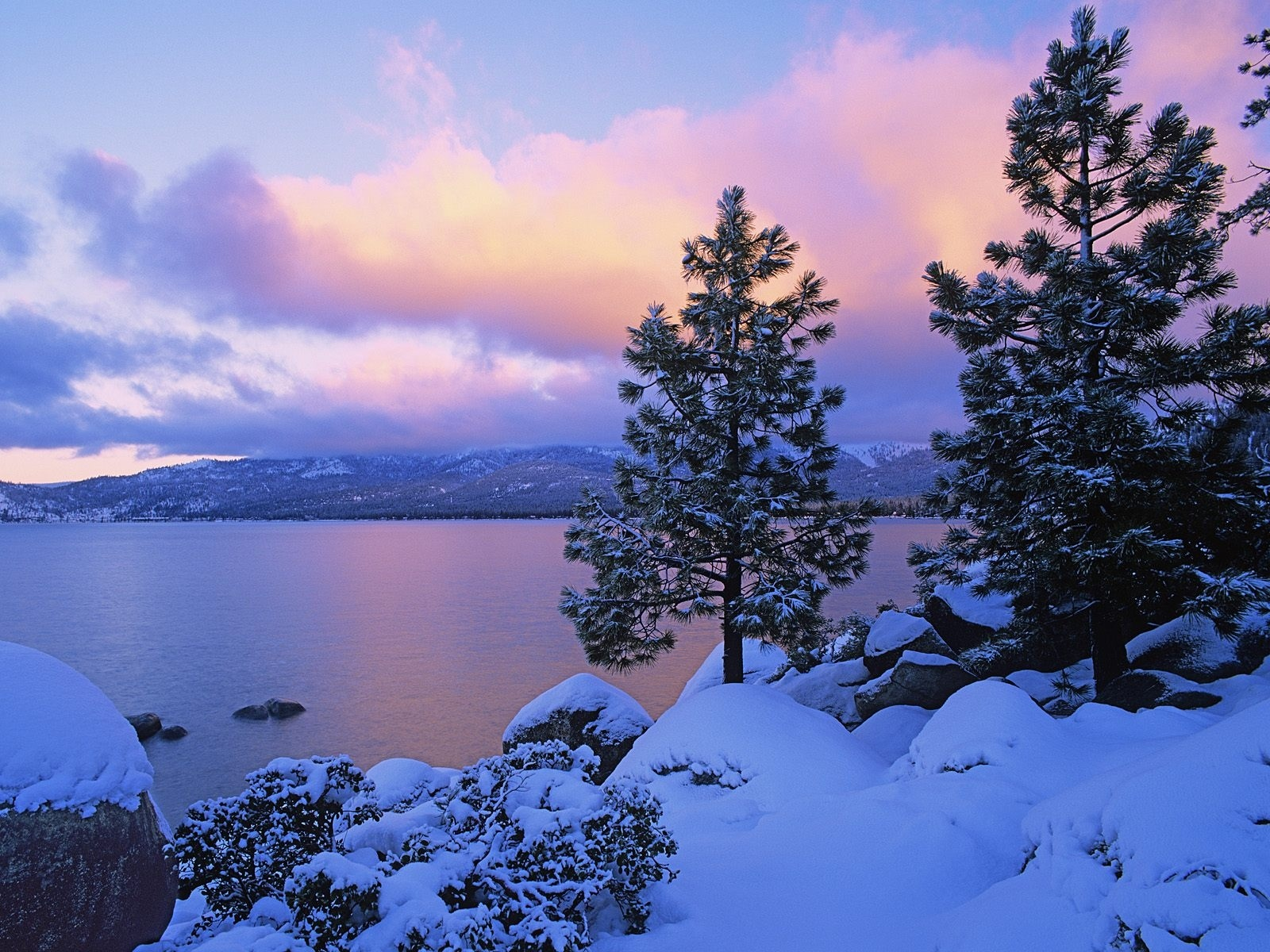 Good   Wallpaper Home Screen Winter - lake_and_snow_nature_wallpaper-1600x1200  Collection_957618.jpg