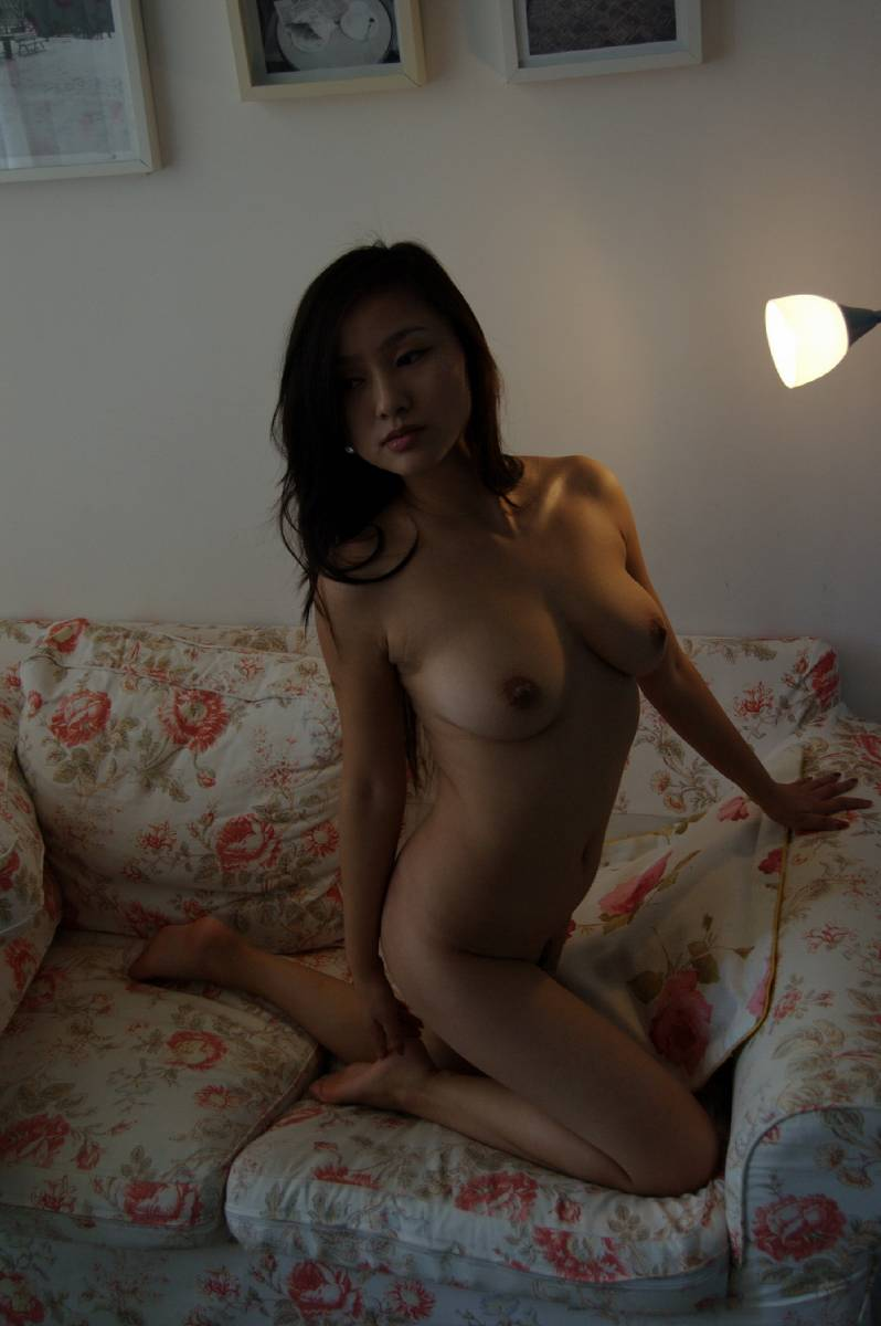 nude-homemade-sexy-poses