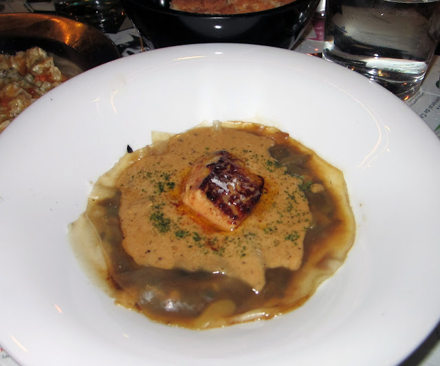 La Gabinoteca, Ravioli meloso con foie a la plancha.