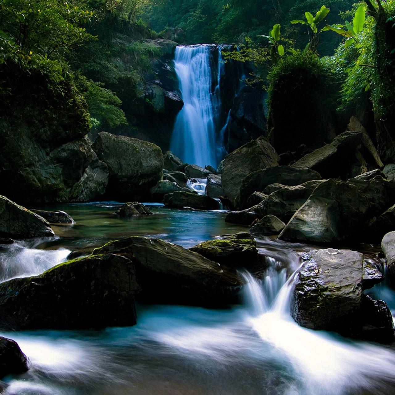 http://4.bp.blogspot.com/-r3z0ywxrKe8/T_yCDJJZegI/AAAAAAAAKRg/CZnZgqROXDw/s1600/waterfall-hd-wallpaper-p92_1280x1280+%25281%2529.jpg