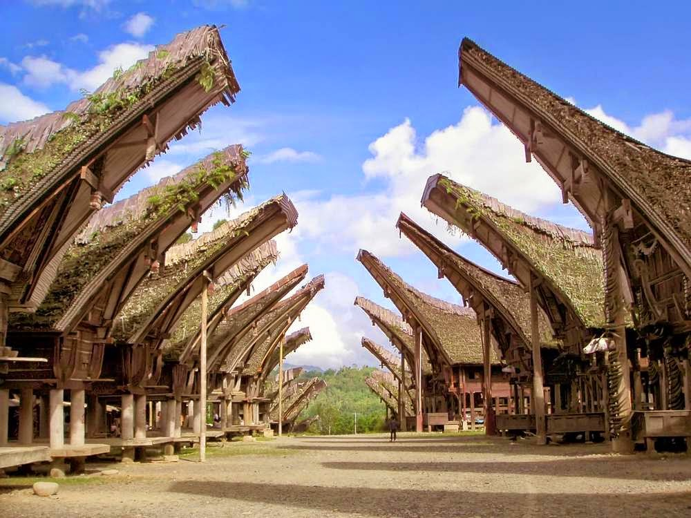 Orang Toraja dan Makna Tongkonan