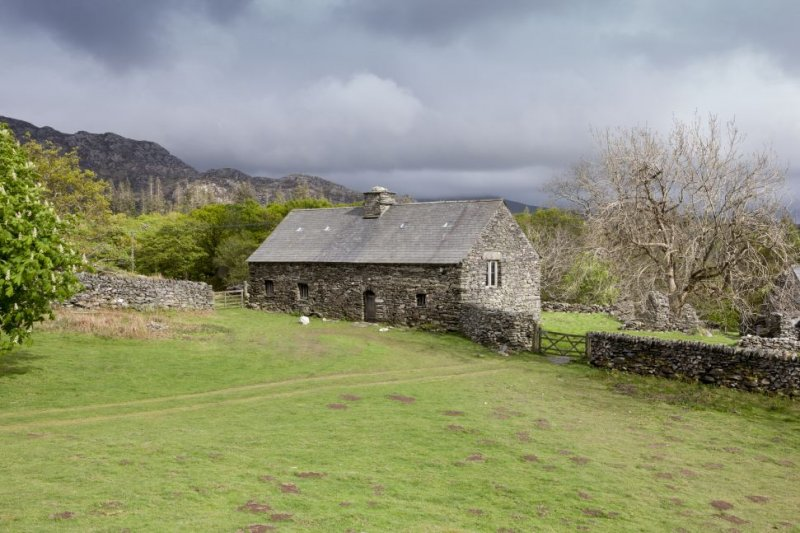 beddgelert mature personals Self catering for large groups near beddgelert | glaslyn  two of the bedrooms have super king beds which can be split to make 2 singles the third bedroom has a .
