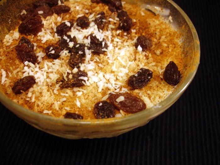 libyan food: Arabic Milk Pudding: Mahalabia محلبية