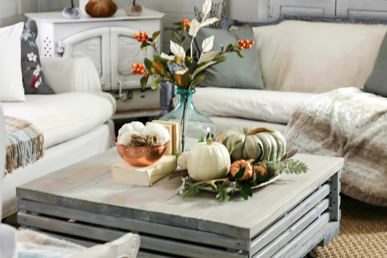 Shabby sweet cottage fall 2015 in addition to my pops of color i also added three cozy throwso soft plaids and my fur throw that i purchased last christmas from pier one floridaeventfo Choice Image