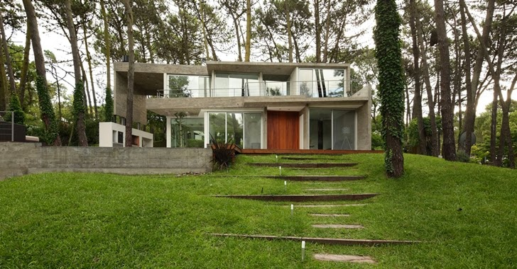 Modern Vacation House in Cariló, Argentina