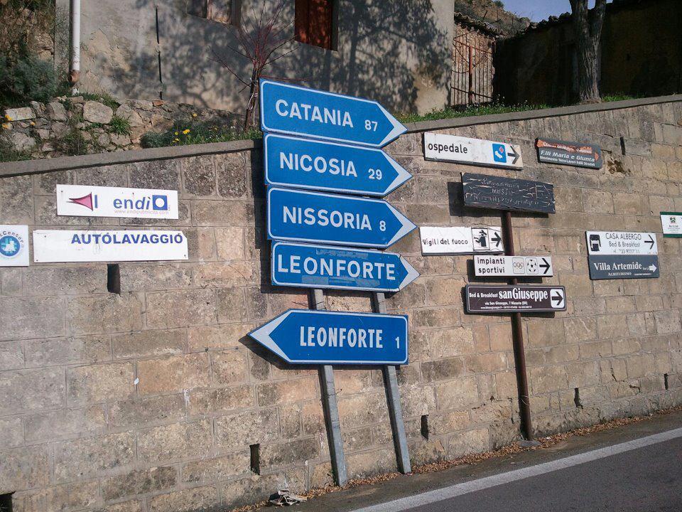 Ben noto tarlodelvallo humor: Cartelli stradali LH33