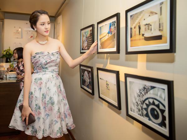 Triển lãm 'Tôi có bạn' lấy cảm hứng từ tình bạn của Nhật Nam và Tuấn Kiệt, kéo dài từ 25/8 đến 11/9 nhằm gây quỹ ủng hộ chương trình 'Cơm có thịt' cho trẻ nghèo vùng cao.