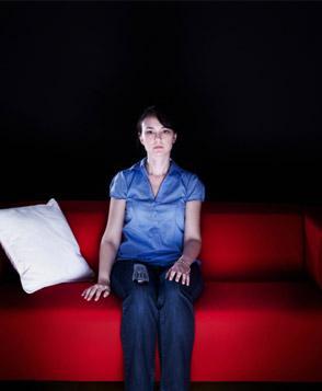 كيف تضعين حد لأهمال حبيبك لك  - امرأة وحيدة - sad lonely woman