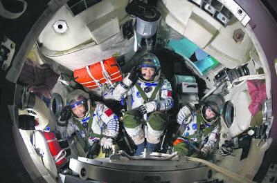 China lancar roket ke angkasa