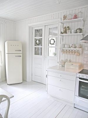 Country style chic white country style kitchen for Country style kitchen nz
