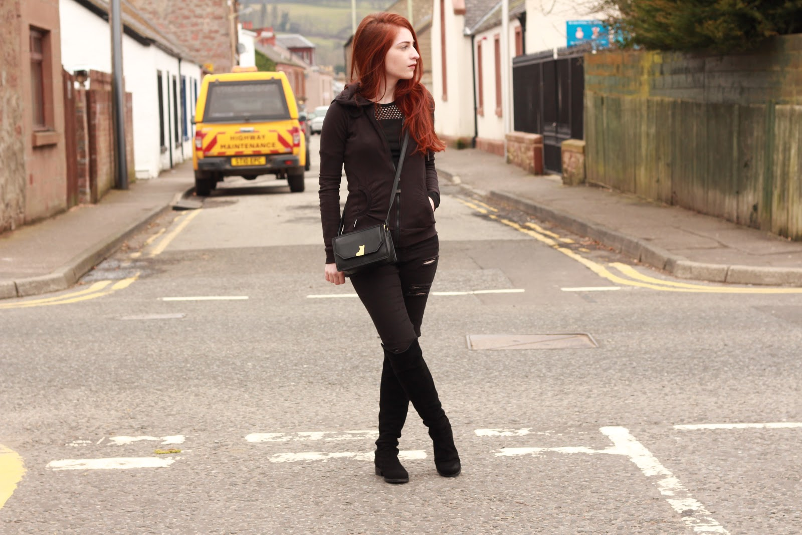 onepiece, stuart weitzman 50/50, asos petite ridley ripped jeans, river island,
