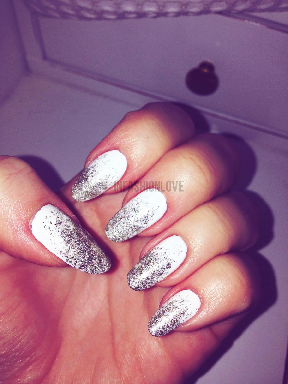 INFASHIONLOVE.COM: On-Trend: White & Silver Ombre Glitter Nail Look!