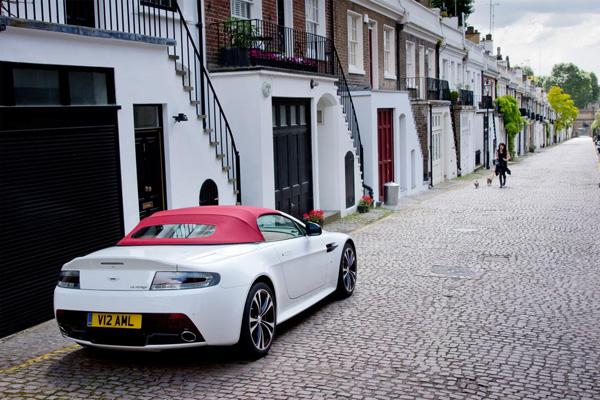 Aston Martin V12 Vantage Roadster4