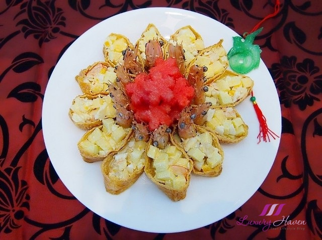chinese new year laughing prawn salad