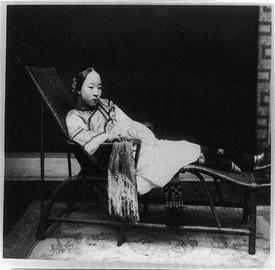 Foto rare e suggestive di donne cinesi del 1800 for Specchio woman abbigliamento