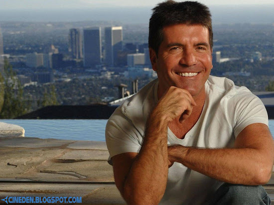Simon Cowell EGGED on 'Britain's Got Talent'
