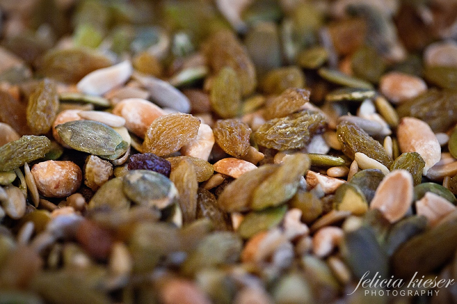 Clean Green Life: Easy Trail Mix!