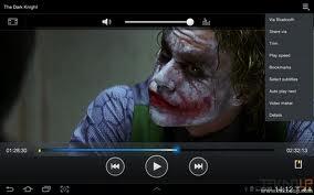menonton film dengan tablet android menyenangkan
