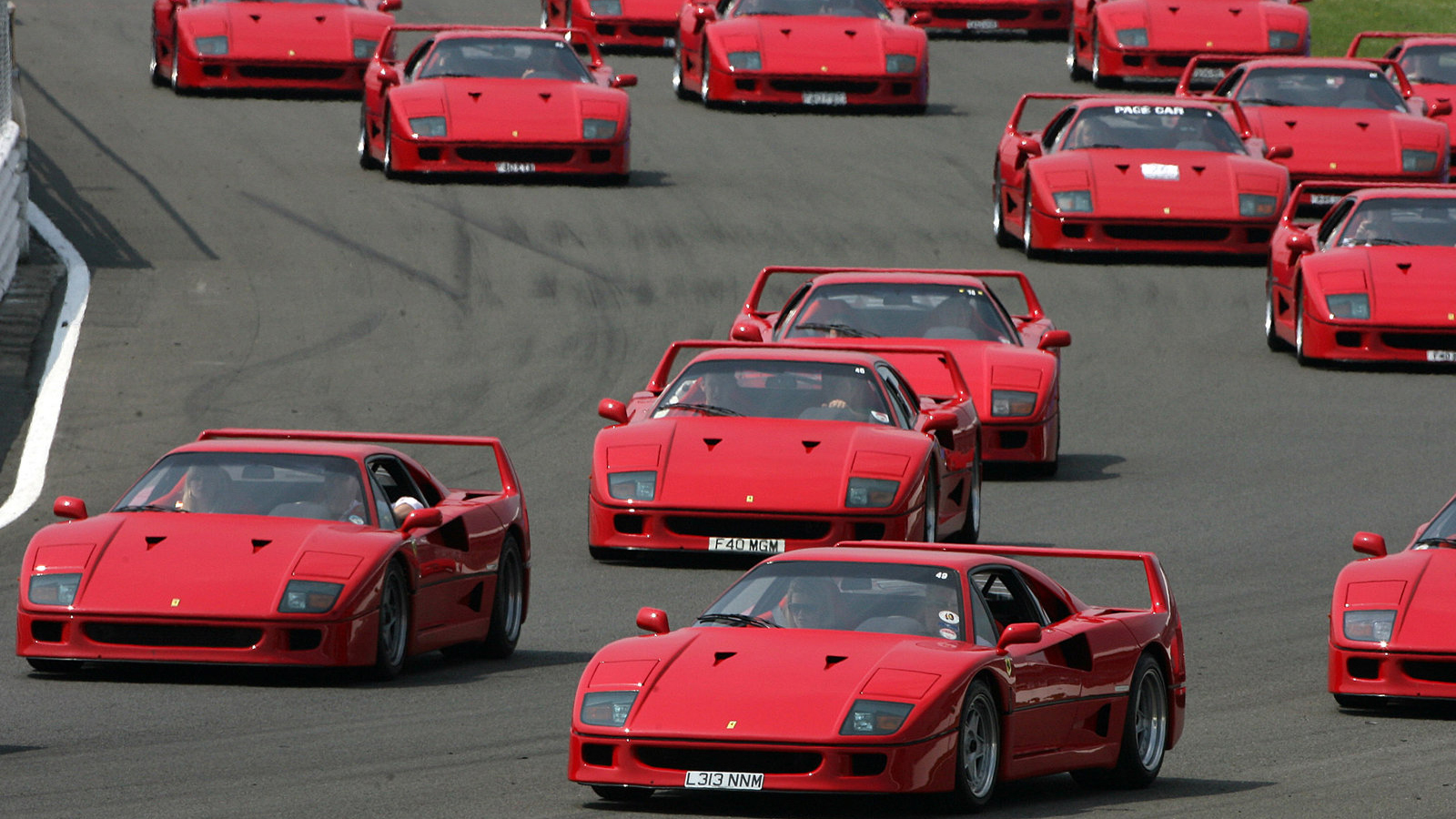 ... | Ferrari F40 Test drive Review |Ferrari F40 Wallpaper