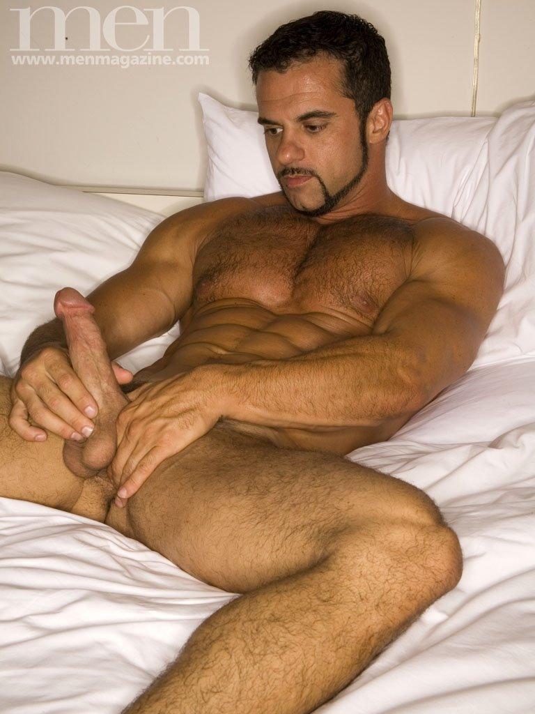 pelados e gostosos homens tesudos gay marco cavanhaque ralo
