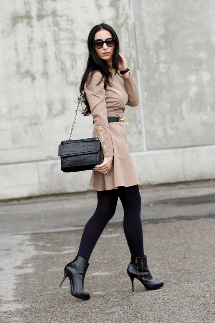 Streetstyle look with camel dress by Wolflamb Spanish brand lady style Fashion Week Madrid fashion trend blogger withorwithoutshoes