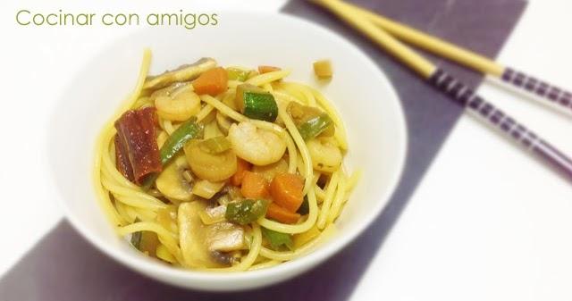 Espaguetis con verduras y gambas cocinar con amigos - Espaguetis con gambas y champinones ...