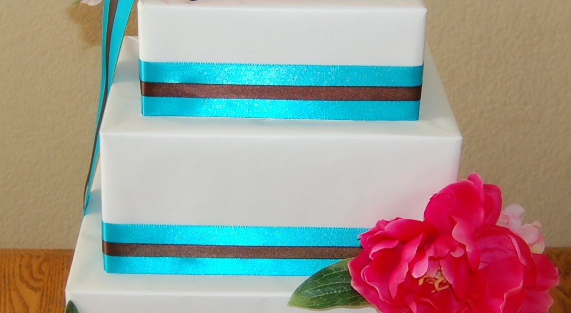 MyNeed2Craft: Ryan and Kristines Wedding Cake Card Holder...