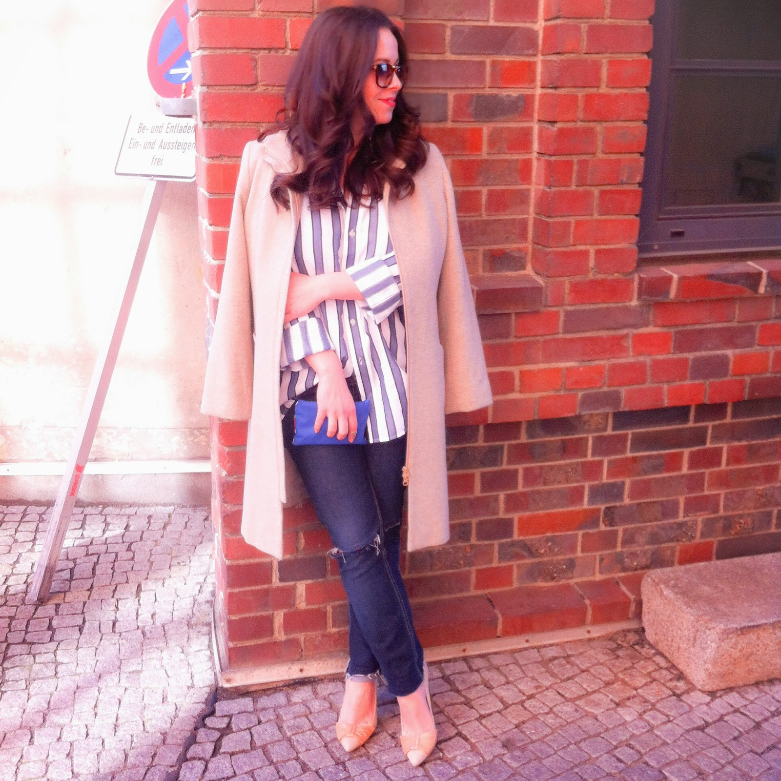 loose, manly striped shirt, ripped jeans, distressed jeans, nude pink pumps, clean style, simple outfit ootd, fashion blogger, vintage nude coat
