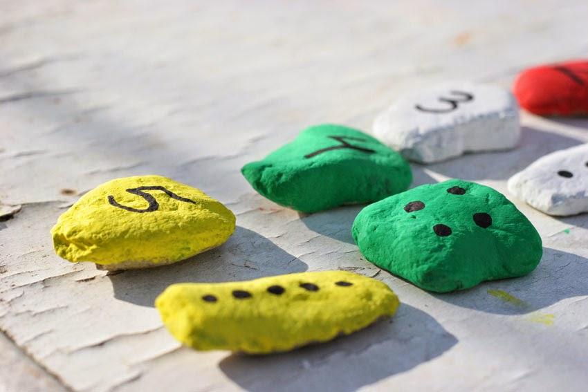 Juego de números con piedras de colores5