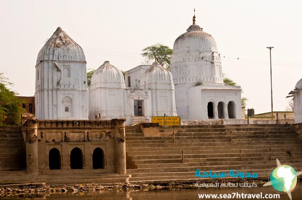 قرية اوتار براديش في الهند